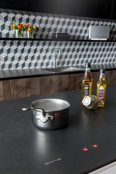 tpb-induction-technology-sola-kitchens-london-black-surface